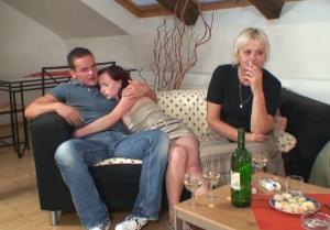 Vreemdgaan met moeder van zijn vriendin