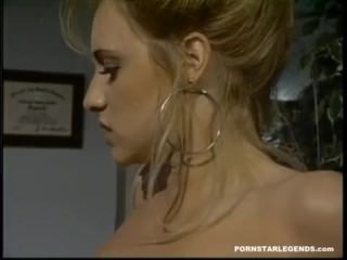 Young pornstar Jill Kelly fucked in a threeway with Sindee